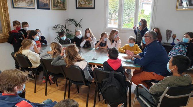Rencontre des élèves de 6ème du collège avec M. Gilles Vincent, Maire de la Commune