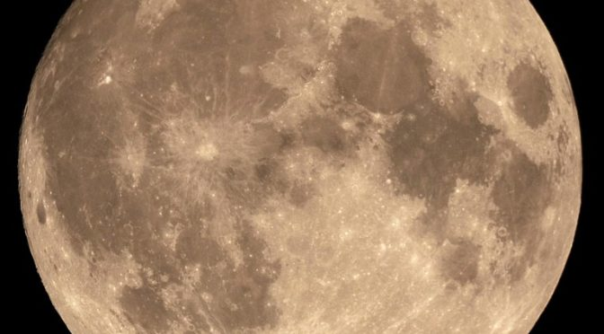 Plus de naissances les jours de pleine lune, vraiment ?